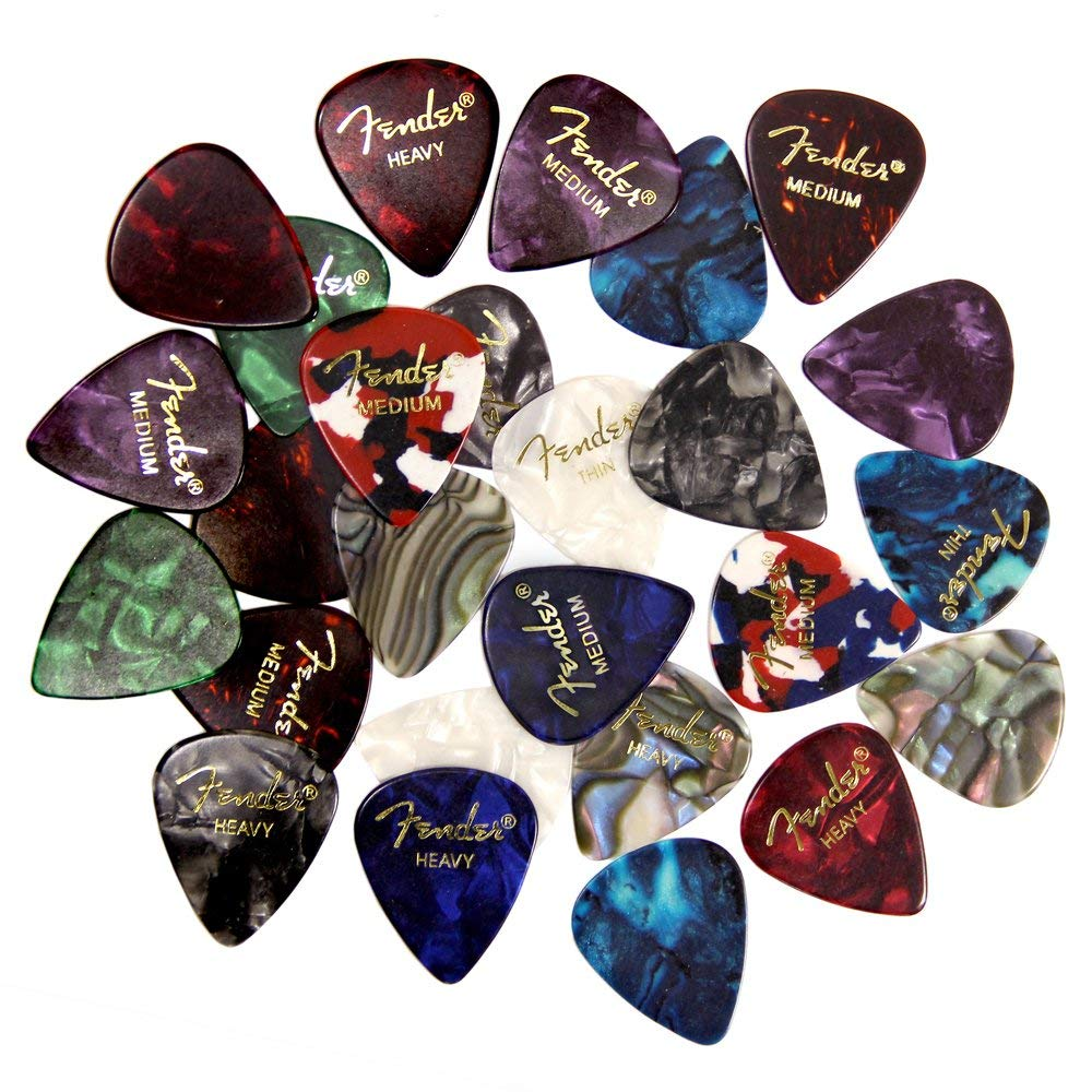 How Tight Should I Hold My Guitar Pick?